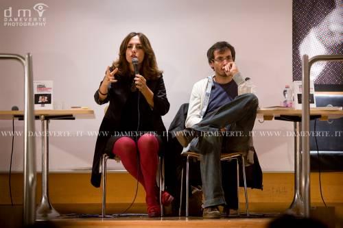 Lorella Zanardo e Federico Taddia alla presentazione di %22Senza chiedere il permesso%22.jpg