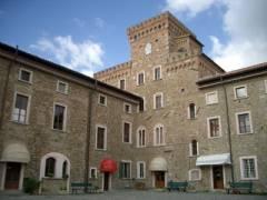 Centro europeo di buddismo a Pomaia  nei pressi di Pisa e apochi chilometri da Camp Darby.jpg