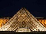 Piramide al Louvre
