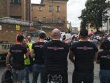 fascisti nero-vestiti con il logo Vortex Londinium
