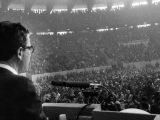 13-marzo-1972,-Berlinguer-diventa-segretario-del-Pci-Il-politico-sassarese-di-fronte-a-migliaia-di-'compagni'--